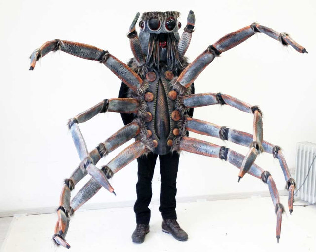 Giant-spider-costume-1