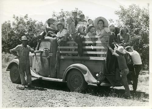 Berry pickers  Lake Oswego 45