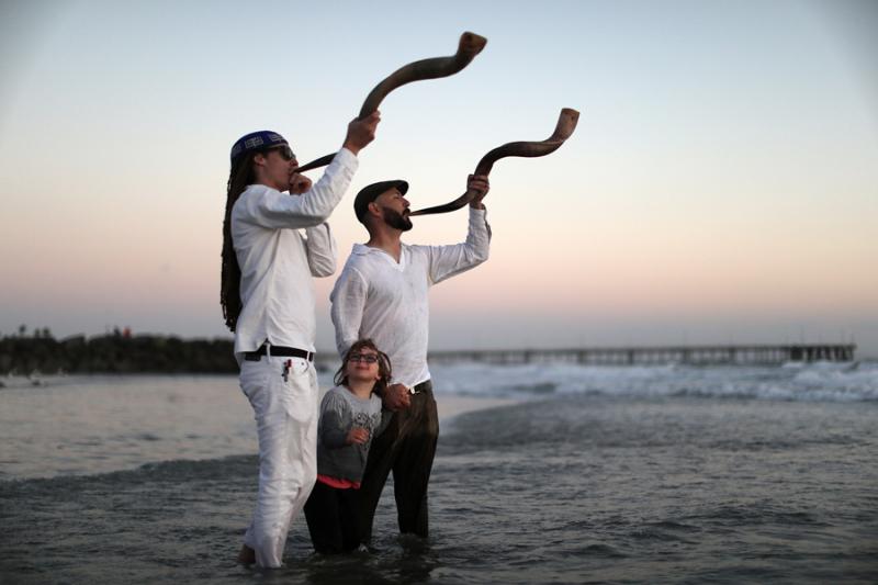 Shofar players  Venice Beach