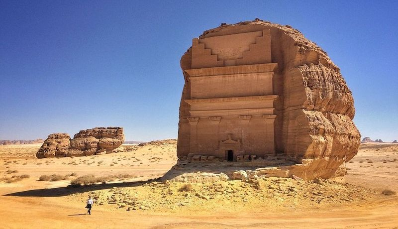 Qasr al-Farid, a tomb carved into a giant rock