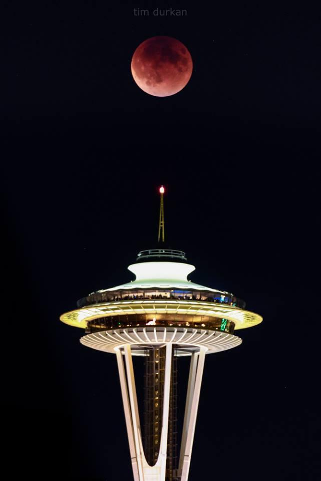 Blood moon in Seattle