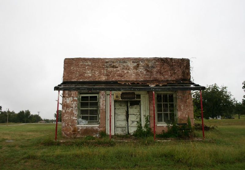 Abandoned building along Main Street in Clearview, OK