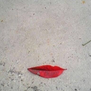 Leaf lipstick
