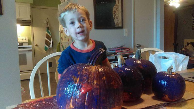 Decorating pumpkins 4