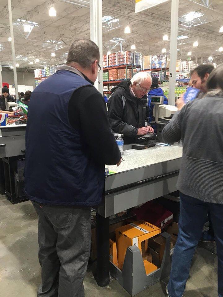 Bernie Sanders in Costco in Vermont