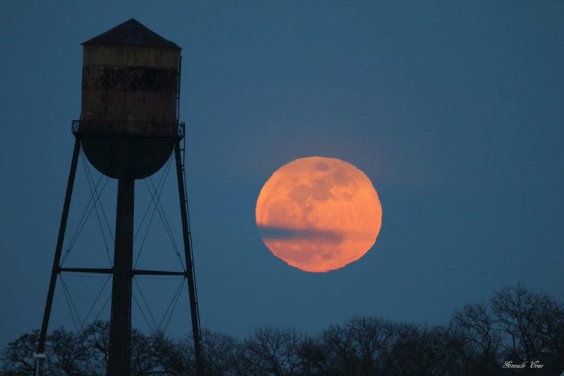 Keyport moon 1