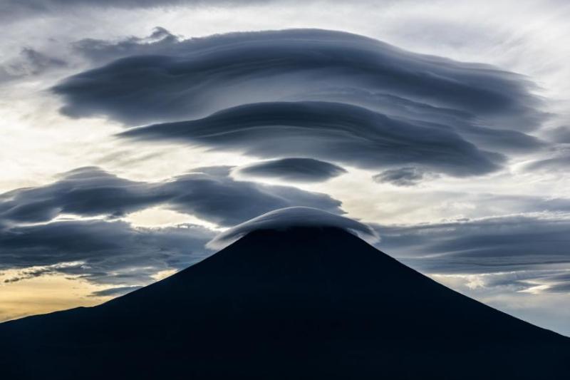 Mount Fujiama  dusk