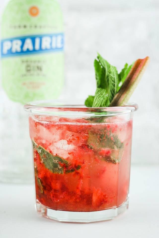 Strawberry Rhubarb Gin Smash!